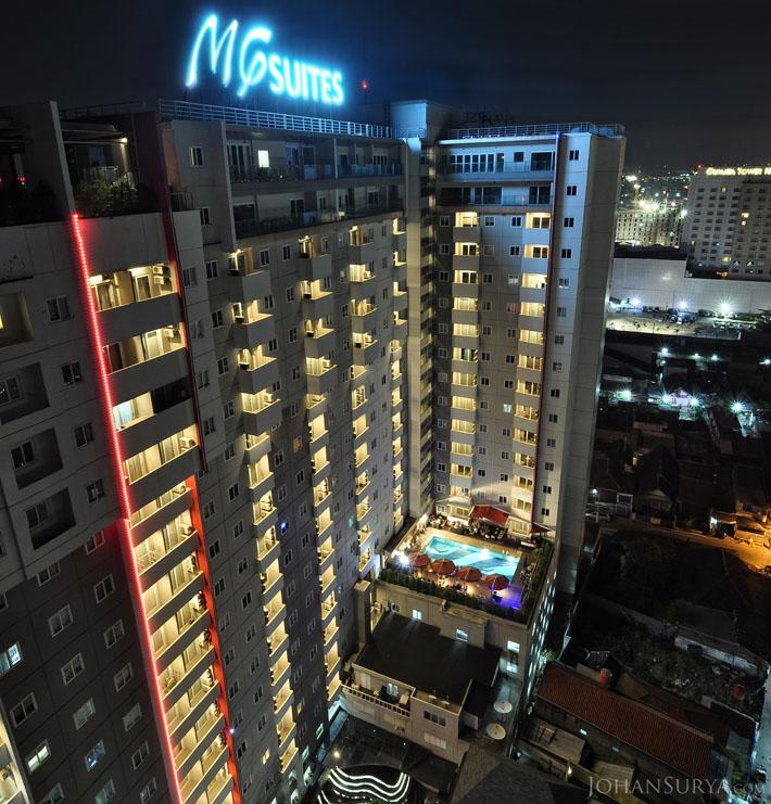 Fotografi MG Suites at Night