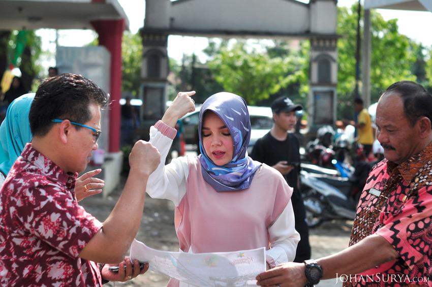 Dewi Sandra Kampung Pelangi Semarang
