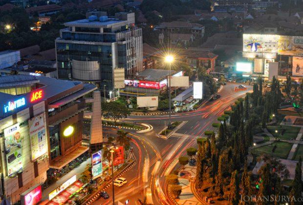 Jl. Pahlawan - Simpang Lima
