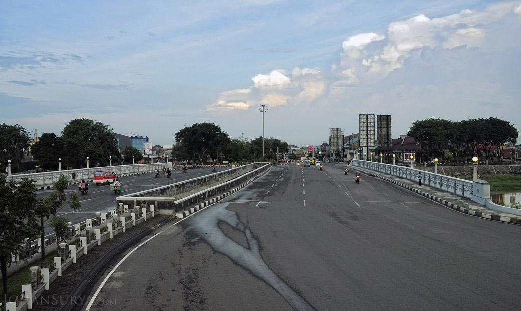 Jembatan Sungai Banjir Kanal Barat