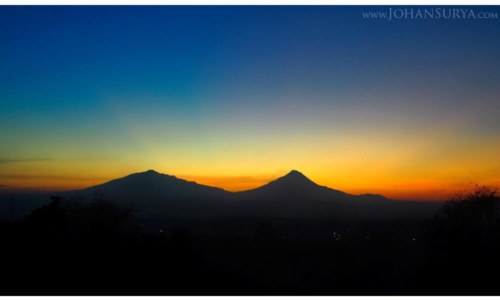 the-sunrise-at-gunung-merbabu-merapi