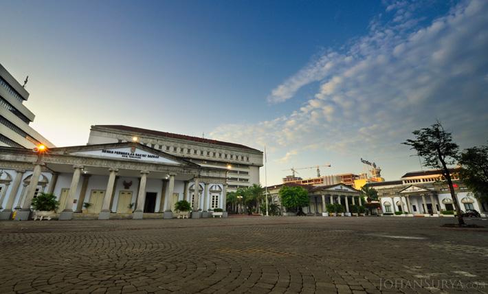 Menyambut Pagi di Kantor DPRD & Balaikota Semarang
