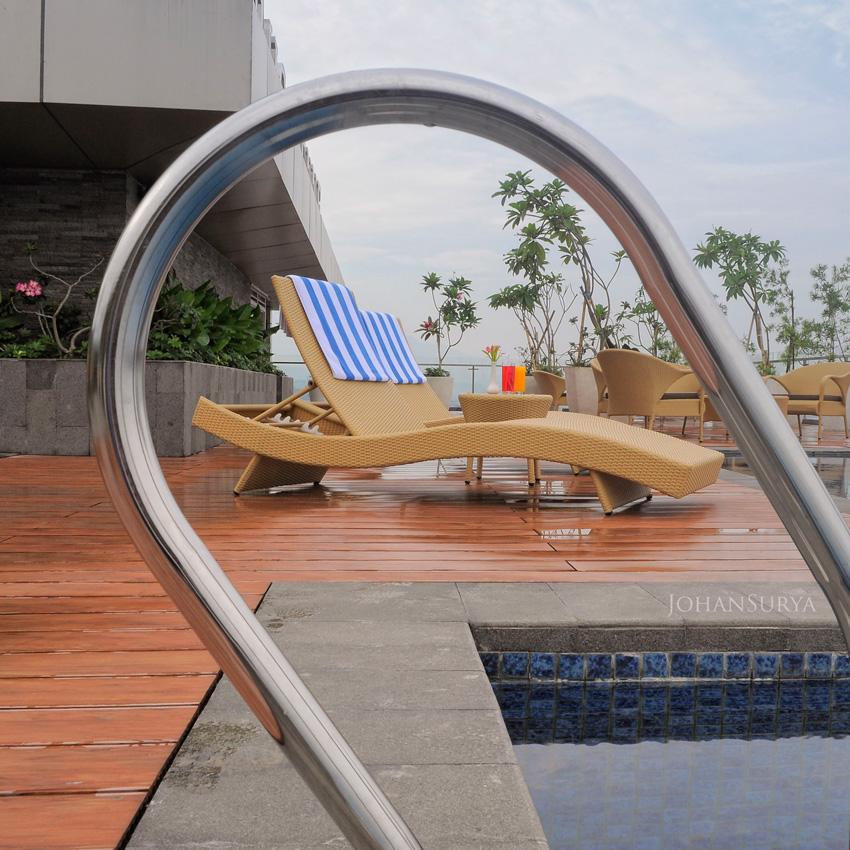 Louis Kienne Pandanaran - Skypool - Hotel Semarang