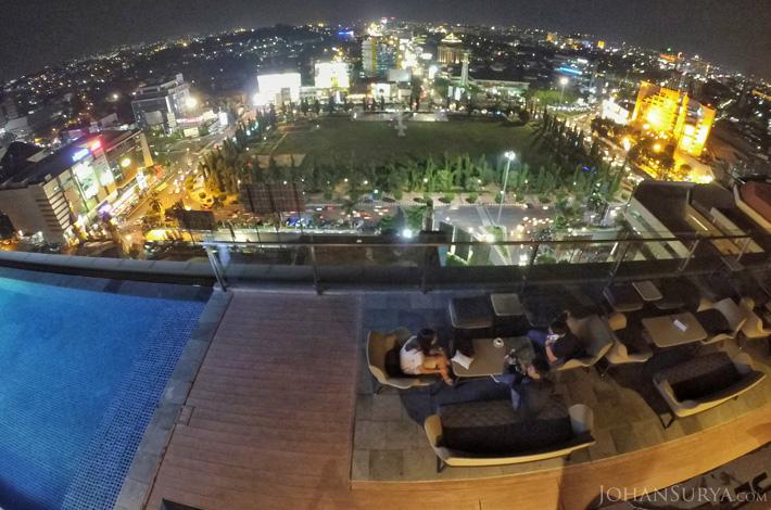 Skybar Louis Kienne Simpang Lima