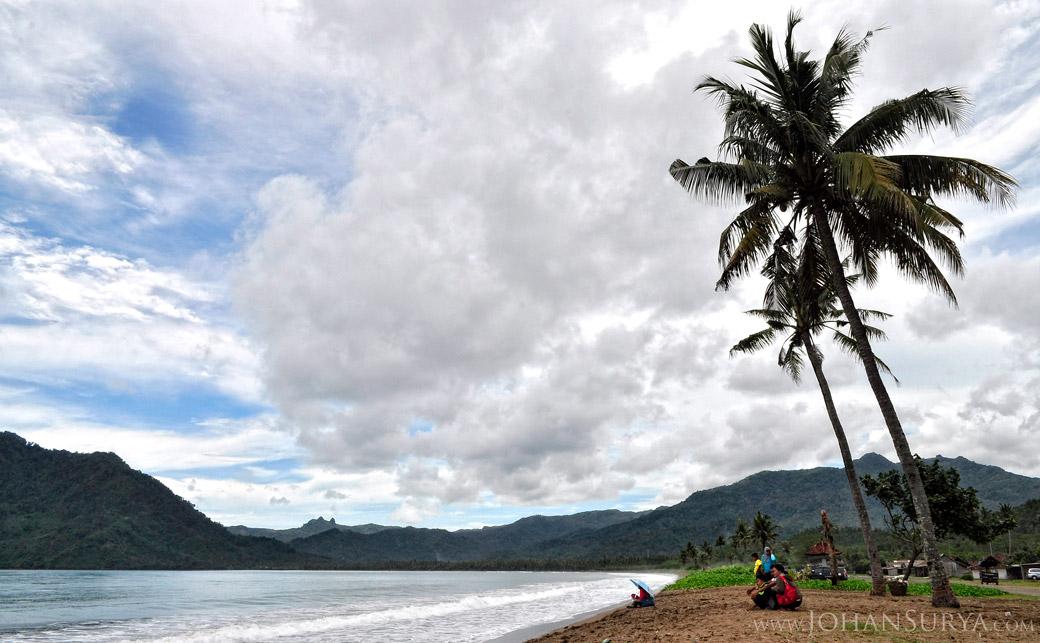 Pesisir Pantai Prigi - Trenggalek  - Jawa Timur