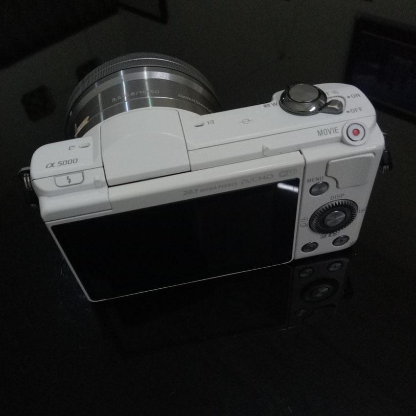 Kamera Mirrorless Sony A5000 Lensa 16-50mm