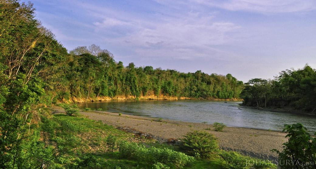 Pemandangan Alam Kali Progo - Yogyakarta