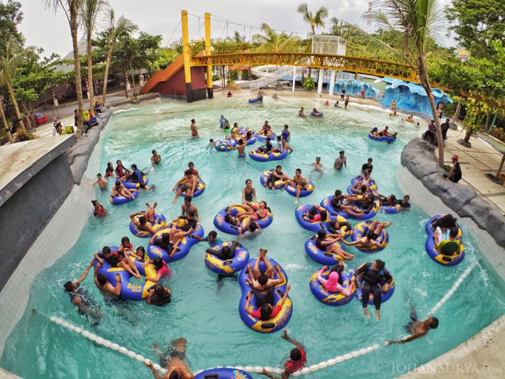 Wave Pool Water Blaster Semarang