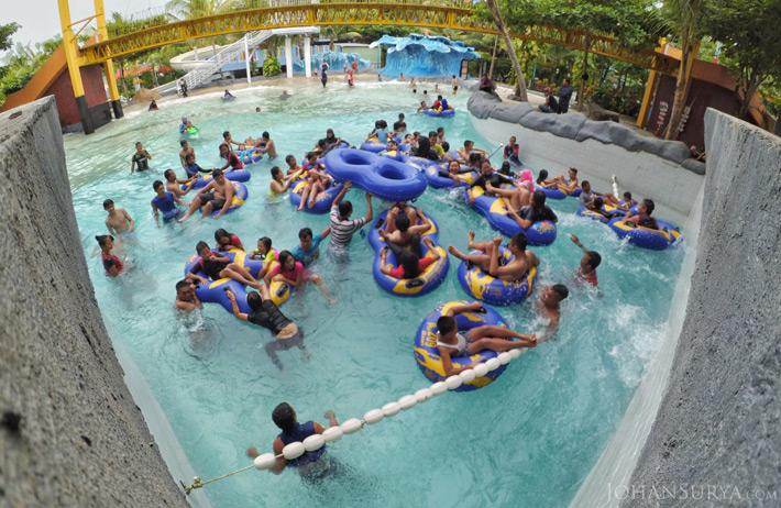 Kolam Ombak - Water Blaster Semarang